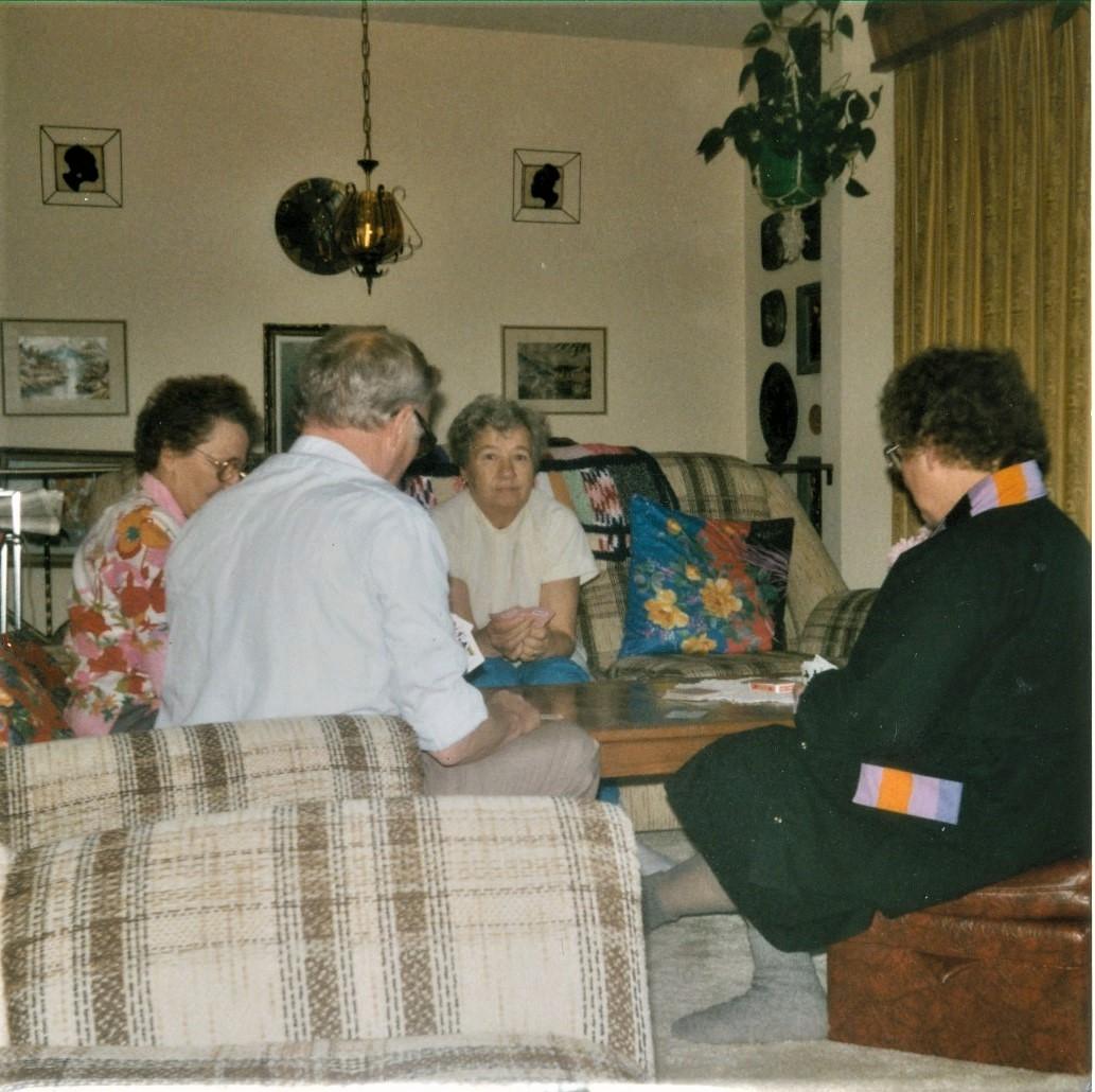 Martin ja Veran ylakerran olohuoneessa