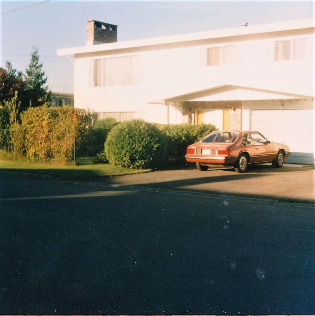 Martin ja Veran koti  ja Mustang